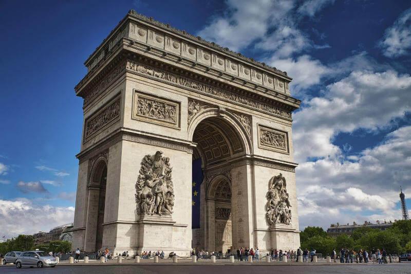 Immagine dell'Arc The Triomphe a Parigi