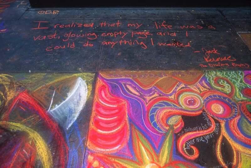Citazione dei Vagabondhi del Dharma su marciapiede