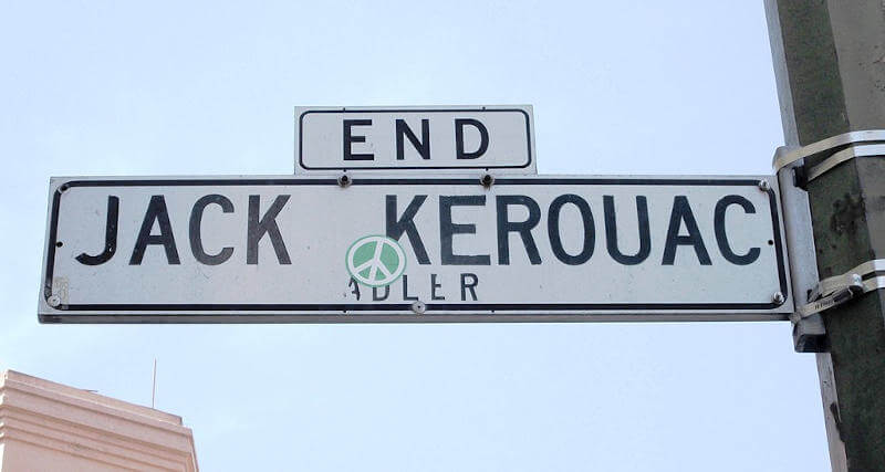 Cartello stradale dedicato a Jack Kerouac
