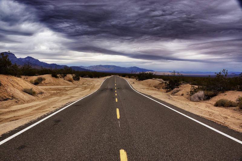 Una strada della provincia americana