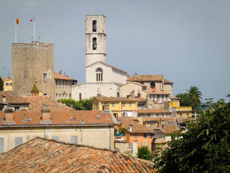 Immagine di Grasse città medioevale francese